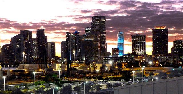 miami-night-image-skyline-architecture-miami-beach